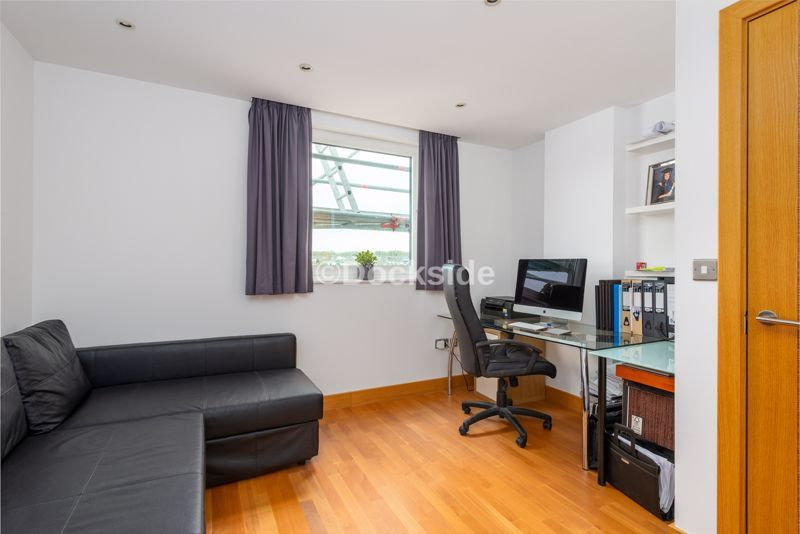 4 bed flat for sale in The Hamptons  - Property Image 3